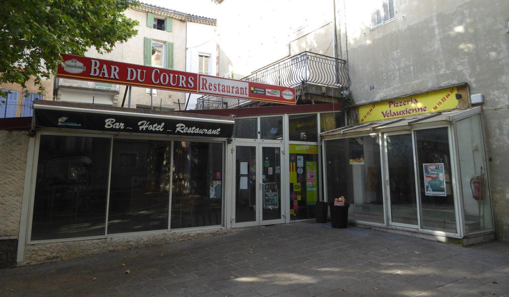 Le bar de la place Caire